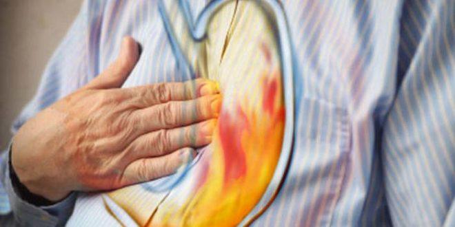 Saurer Rückfluss und Verdauungsstörungen?  Yoga hat eine Heilung dafür